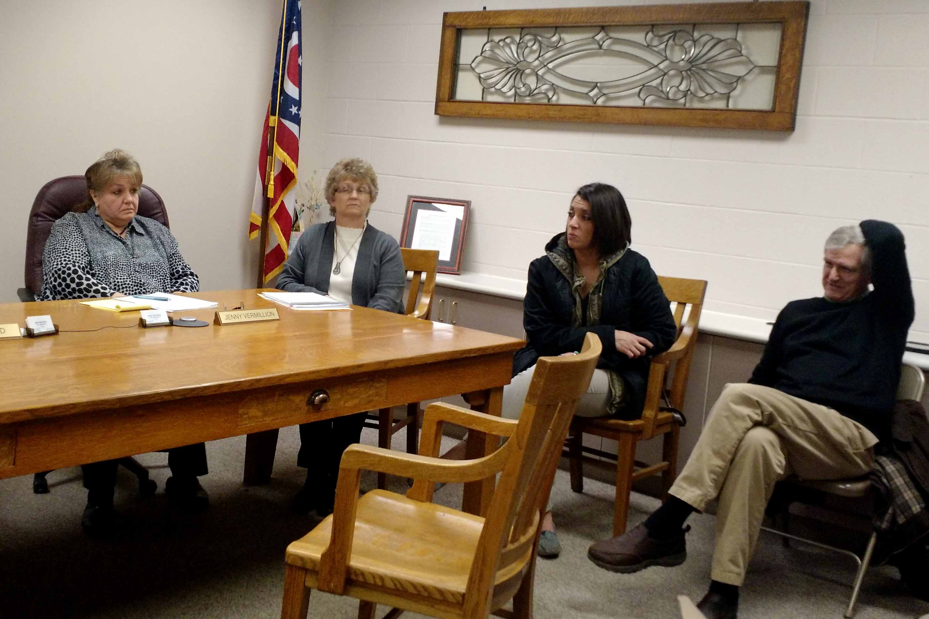Officials discuss county wide tourism bureau with for Bureau local