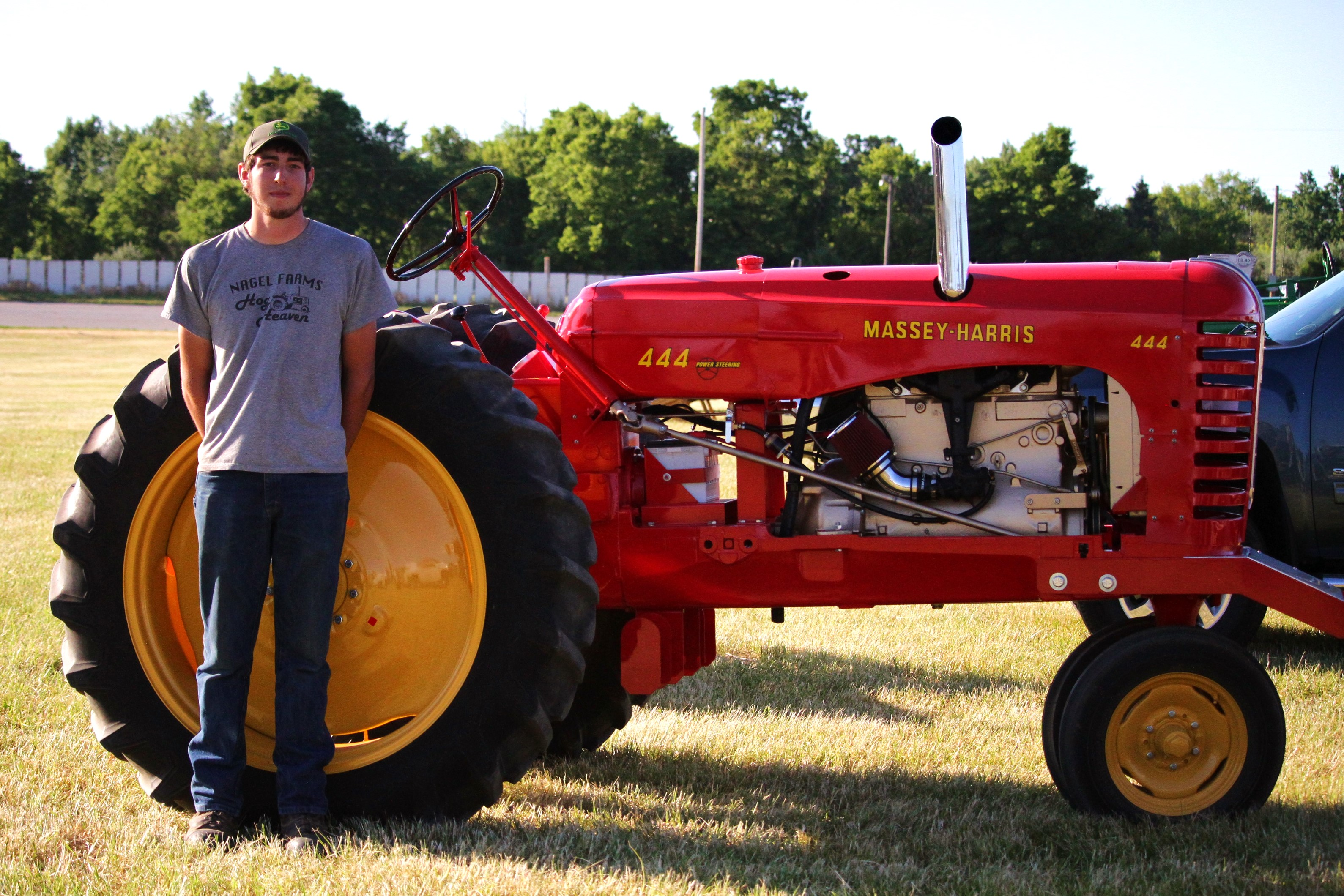 Tractor Pull Tractors : Antique tractor pull highlights second day of farm